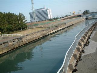 菊田川の護岸